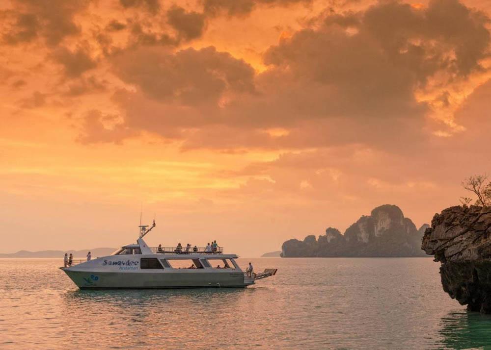 เที่ยวเกาะยาวน้อยบนเรือบลูอันดา
