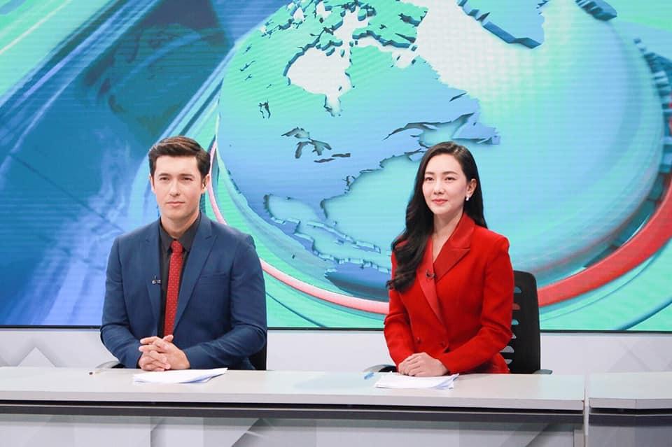 """นุ่น วรนุช - แอนดริว ทำเซอร์ไพรส์ อ่านข่าวใน """"เข้มข่าวค่ำ"""" ทาง PPTVHD36"""